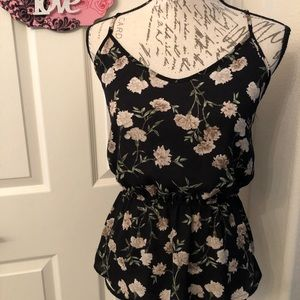 FOREVER 21 FLORAL SLEEVELESS TOP SIZE SMALL